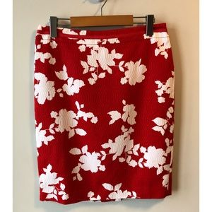 NWT Talbots Petite Red & White Floral Pencil Skirt